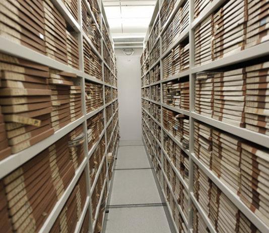 Czy firma archiwizacyjna zajmuje się także archiwizacją dokumentów cyfrowych?