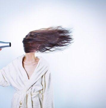 Nieodpowiednia pielęgnacja może zniszczyć włosy